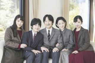 秋篠宮家の集合写真