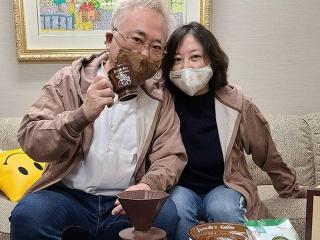 高須克弥と西原理恵子のペアルック画像