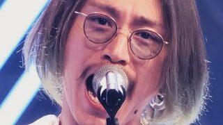 安田章大の歌唱シーン画像