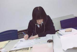 平手友梨奈の高校時代画像
